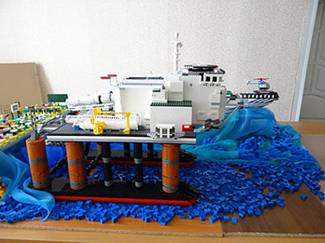 Lego Sea Launch
